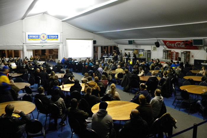 fanversammlung20121121_02