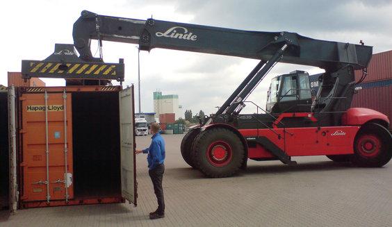 big_Radlader_mit_Container
